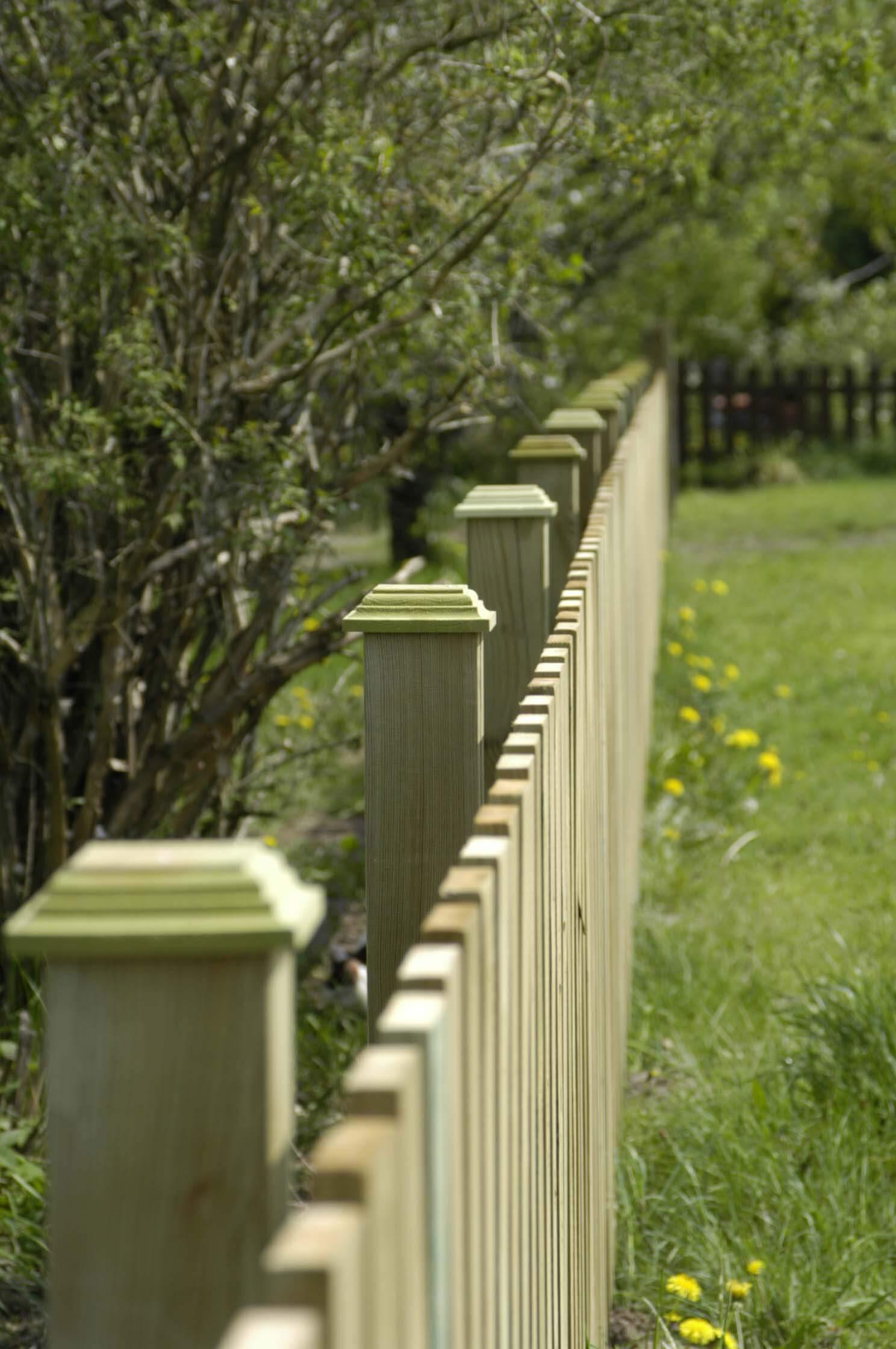 Monterat staket